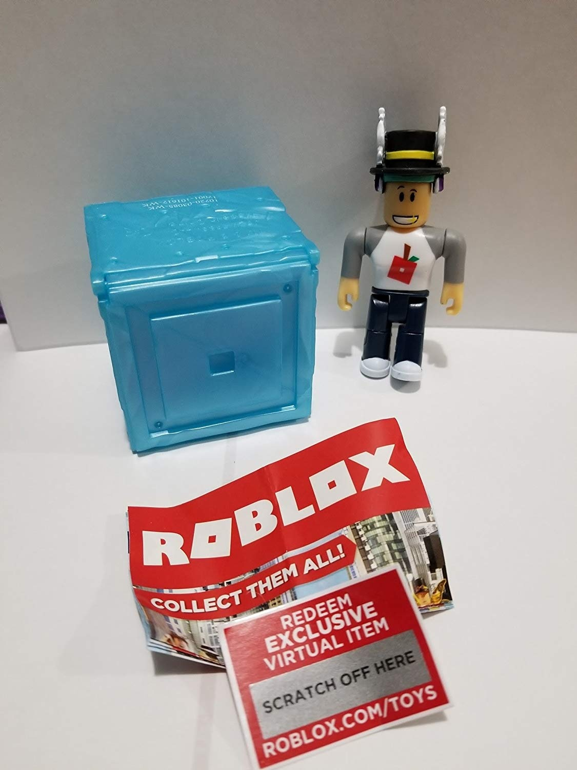Roblox Mystery Box Series 3 - Roblox Series 3 Treelands Shopkeeper Action Figure Mystery